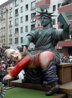 Widdle Georgie Bushie gets spanked by Lady Liberty