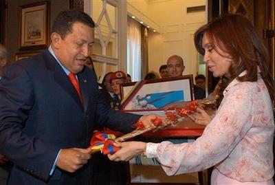 Chavecito gives Cristina a Bolivar sword