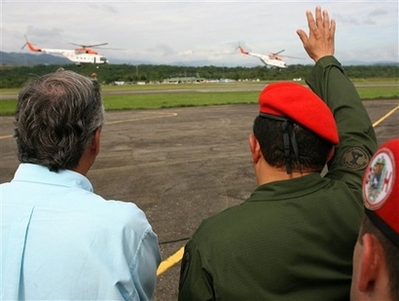 Chavecito waving goodbye to the helicopters
