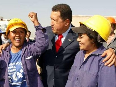 Chavecito and female construction workers