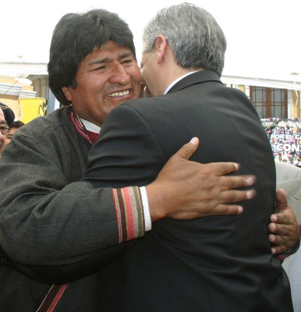 evo-alvaro-hug.jpg