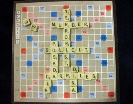 posada-carriles-scrabble